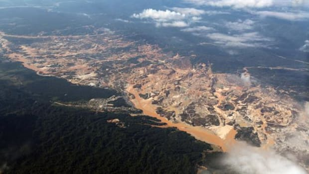 Huepetuhe goldmine in southern Peru. Mercury, a neurotoxin, is often used to separate ore from substrate. Previous studies have shown high blood levels of mercury in fish and people downstream in the city of Puerto Maldonado.
