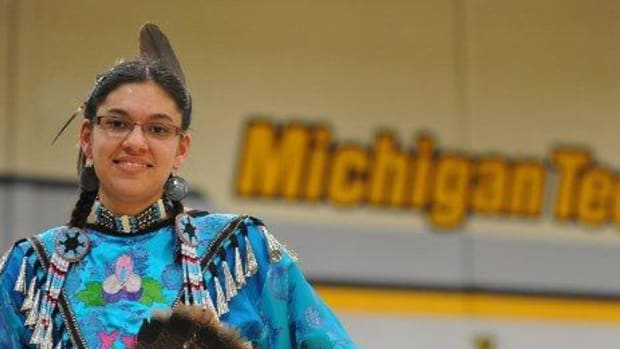 A Michigan Tech student at this year's Spirit of the Harvest Powwow.