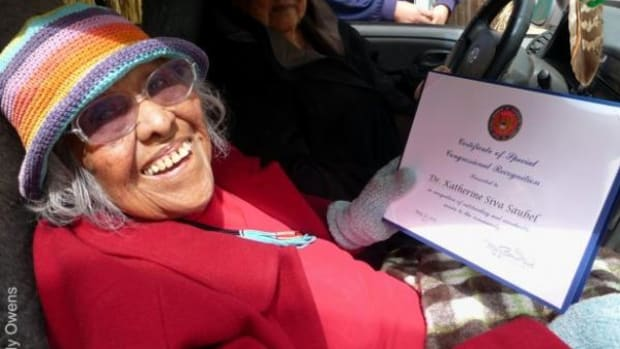 Saubel with her Certificate of Congressional Recognition from Congresswoman Mary Bono at the Malki Museum's 47th annual Kéwet celebration over Memorial Day weekend, 2011.