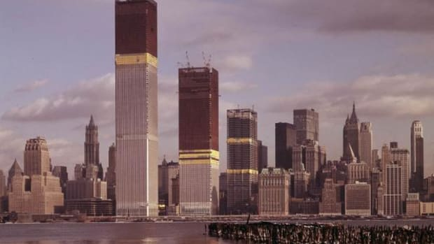 More than 10,000 people worked on the Twin Towers—one of the boldest construction jobs in history—and made the world's tallest building at the time.