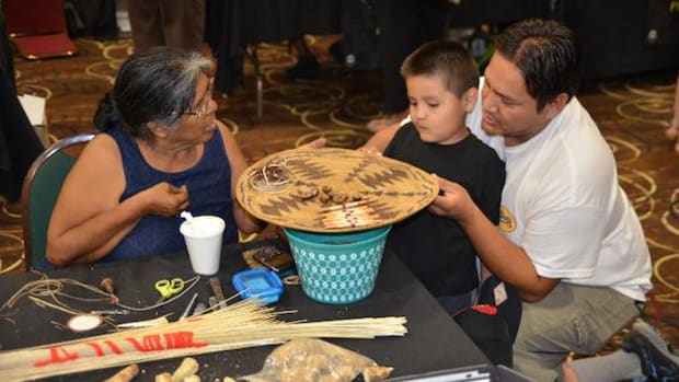Basket-weaving brought more than 200 people together in California to keep alive an ancient craft.