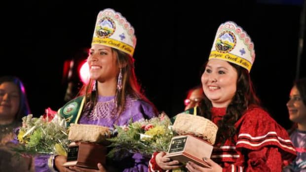 2015 Miss Muscogee (Creek) Nation Shannon Barnett (right) and Jr. Miss MCN Madeline Gouge (left) were crowned at the MCN Scholarship Pageant June 6 at the Mvskoke Dome in Okmulgee, Okla.