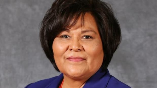 Dr. Sherry Allison, Navajo, president of Southwestern Indian Polytechnic Institute (SIPI) in Albuquerque, New Mexico, was named the 2014 American Indian College Fund Tribal College Honoree of the Year by the American Indian College Fund.