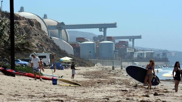 San Onofre nuclear plant is adjacent to one of the most visited beaches in Southern California. Plans are afoot to store nuclear waste at this facility.