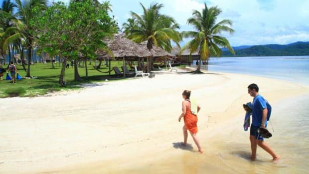 The combination of pristine tropical islands and a remarkably well-preserved culture make a trip to Guna Yala just the kind of exhilarating experience that foreign travel should be. Granted the region's remoteness, lack of modern amenities and rustic accommodations keep many tourists away, but their absence simply adds to the area's charm.