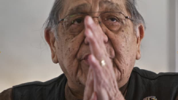 Archambault, sober for four decades, leads group therapy. (Jamie Francis/The Oregonian)