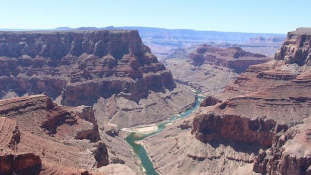 Low gas prices and events surrounding the centennial of the National Park Service are expected to boost attendance at the Grand Canyon, which has $371.6 million in deferred maintenance projects.