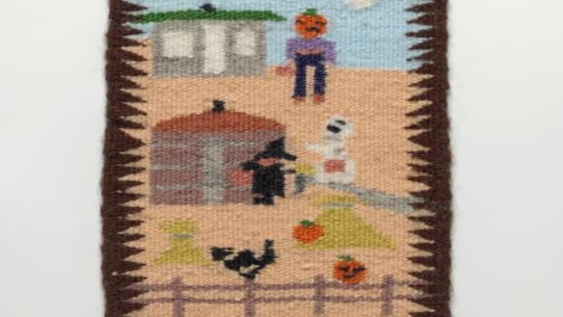 Elizabeth Begay (Diné, b. 1969), miniature pictorial rug, ca. 1985. Sawmill Chapter, Navajo Nation, near Sawmill, Arizona. Wool, 14 x 11 cm. Purchased in 1986 by the Indian Arts and Crafts Board from the Indian Craft Shop in Washington, D.C. Indian Arts and Crafts Board Collection, Department of the Interior, at the National Museum of the American Indian, Smithsonian Institution. NMAI 25/5960