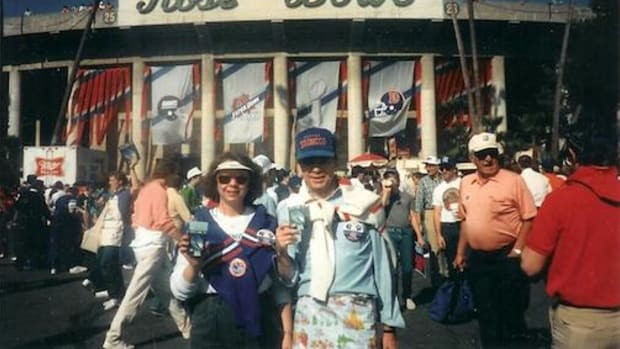Tom Godwin, and his daughter, Kimberly Godwin Jefferson, at Super Bowl XXI in California in 1986.