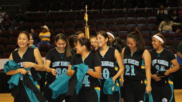 The Navajo Prep Lady Eagles at the 2014 NMAIC tournament. In 2015, the event has a new name. Photo source: facebook.com/pages/Striking-Eagle-Basketball-Invitational-Education-Fair/152557944807279