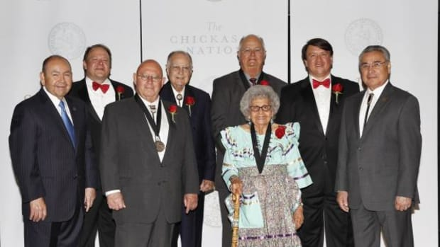 Chickasaw Nation Governor Bill Anoatubby recently inducted five new members into the Chickasaw Nation Hall of Fame. Inductees include the late Charles W. Blackwell, Irene Digby, Marvin Mitchell, Dr. James W, Hampton and Silas Wolf Jr. Jonathan Blackwell and Geoffrey Blackwell accepted the honor in behalf of their father. Back row, from left, Gov. Anoatubby, Jonathan Blackwell, Dr. James W. Hampton, Marvin Mitchell, Geoffrey Blackwell, and Lt. Gov. Jefferson Keel. Front row left to right are Silas Wolf, Jr. and Irene Digby.