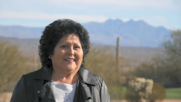 Bernadine Burnette rebounds from a 2014 loss to win Fort McDowell Yavapai Nation's presidential election.