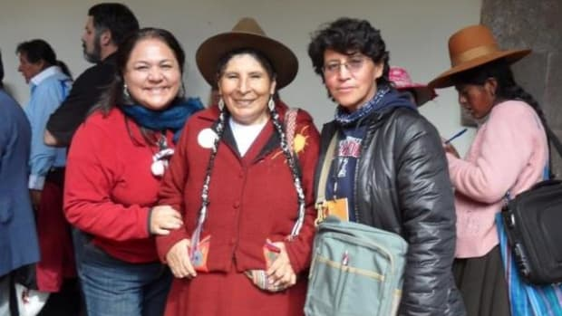 From left to right: Miryam Yataco, lawmaker Hilaria Supa and Luz Jimenez from Bolivia.