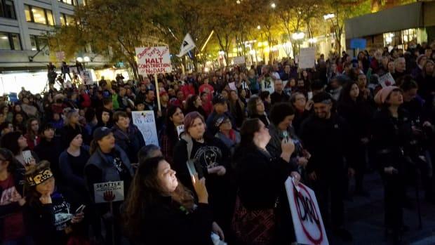 An estimated 500-800 people participate in the October 29 Seattle Stands With Standing Rock Rally.