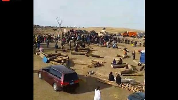 Scenes from one of the many live feeds on Facebook of police closing in on water protectors.