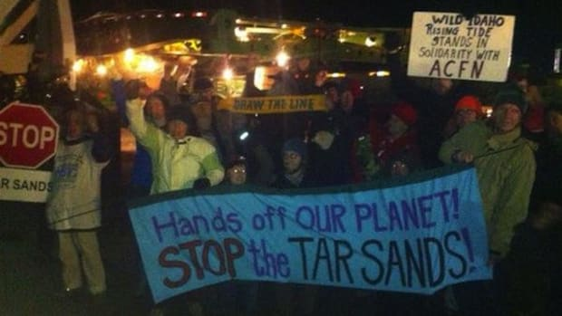 Protesters in Umatilla, Oregon, blocked mega-loads headed for the Alberta oil sands in early December.