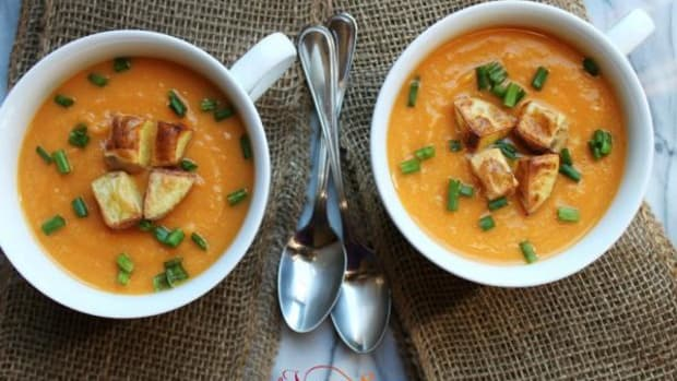 This image of another variation on sweet potato soup is from TheVegan8.com, which provides 8-ingredient vegan recipes.