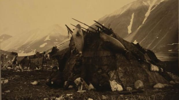 An Inuit hut and family photographed from 1868-1952 by Edward S. Curtis. New research indicates that all Inuit peoples originally came from the northernmost part of Alaska.