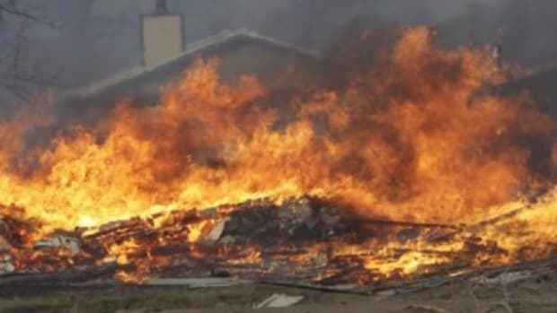 The wildfire that destroyed nearly 20 homes started in a chimney.