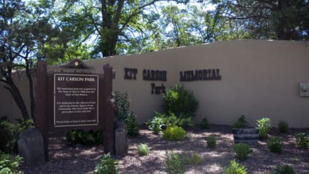 Kit Carson Memorial Park in Taos, New Mexico is to be renamed Red Willow Park after a June 10 vote by the town council.