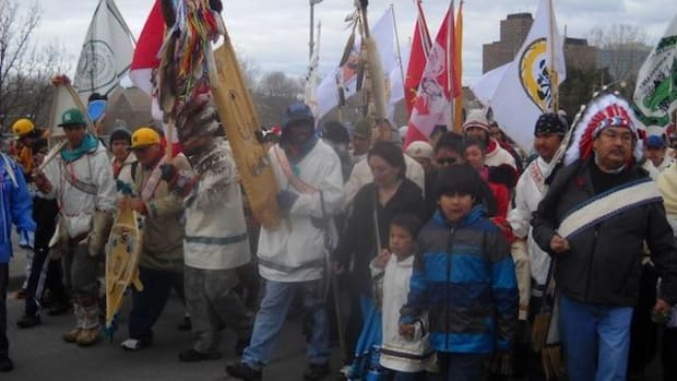 The Nishiyuu Walkers, arriving triumphantly in Ottawa after their 1,600-kilometer trek, were greeted by cheering thousands.