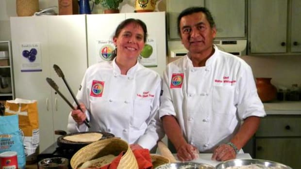 Native American chefs Lois Ellen Frank and Walter Whitewater are seen here making some no-fry Fry Bread. You'll find a no-fry fry bread recipe here.