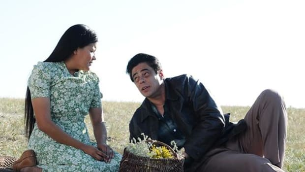 Upham with co-star Del Toro in 'Jimmy P.: Psychotherapy of a Plains Indian'