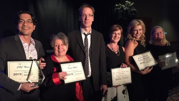 Duncan McCue (Chippewas of Georgina Island First Nation), left, stands with CBC colleagues Karin Wells, Nick Purdon, Diana Swain, Natalie Clancy and Margaret Evans, who all received top honors from the Canadian Association of Journalists on May 29.