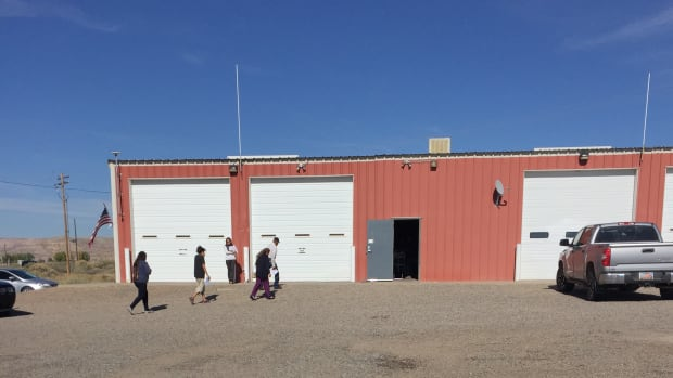 Voters head for the 2016 federal-election polling place in the Montezuma Creek fire station, in the portion of the Navajo Nation that overlaps San Juan County, Utah.