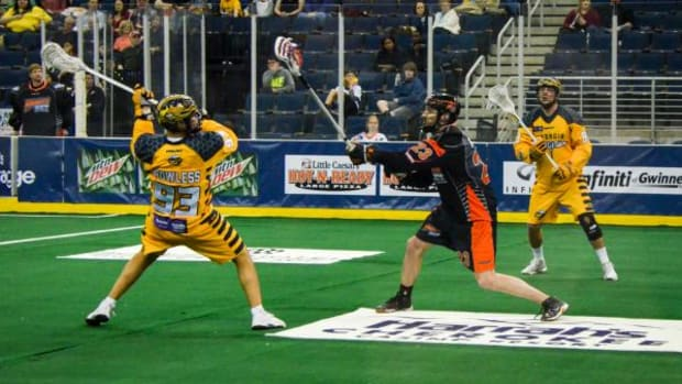 Left shooter #93 Johnny Powless, was named the game's 3rd Star after leading the Swarm with 4 goals and 4 assists.