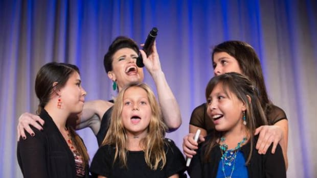 "Idina Menzel headlined the entertainment at the 25th Anniversary College Fund Gala. She invited the young American Indian College Fund supporters in the audience to help her sing her hit single ""Let It Go"" to close the show on, Monday October 20 at Pier Sixty in New York City."