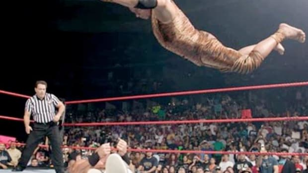Jimmy 'Superfly' Snuka about to bring a match to a swift end.