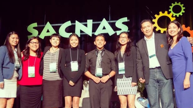 SACNAS President Antonia Franco with Jose Cabrera, Advisor for the SJCC SACNAS Chapter, with the chapter members after the lunch plenary STEM and media panel at the recent SACNAS conference in California.