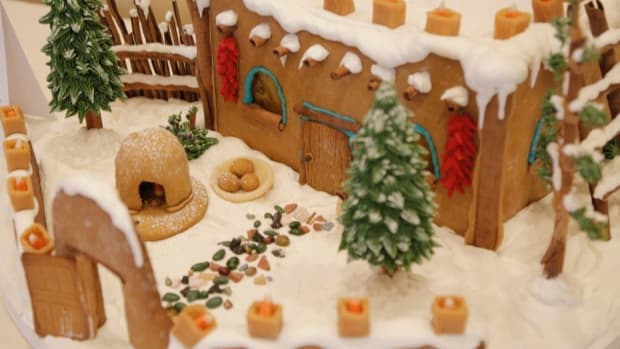 The Indian Pueblo Cultural Center (IPCC) has kicked off the 2016 holiday season by opening submissions for its 8th Annual Pueblo Gingerbread House Contest. Photo: Pueblo Gingerbread House Contest - 2015 Adult 1st Place Wnner Denise Dorn (Credit - .)