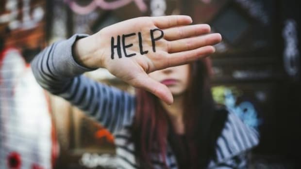 istock-youth-help-suicide-depression
