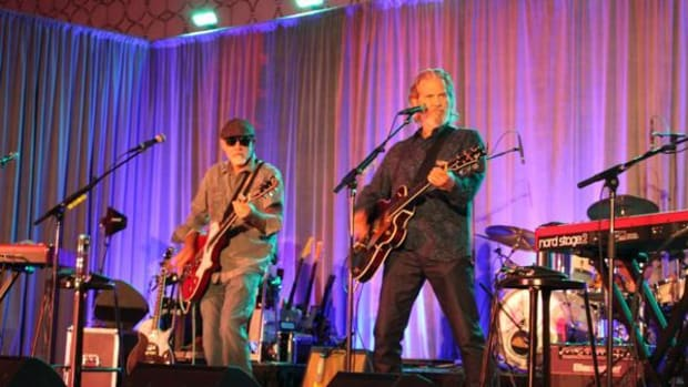 Jeff Bridges & The Abiders provided the evening's entertainment for the American Indian College Fund Gala 25th anniversary celebration held in Los Angeles.