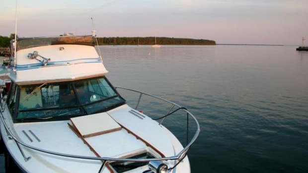 boat_on_water_madeline_island