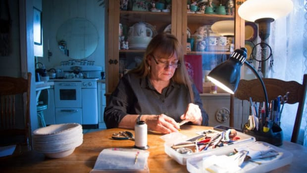Peggy Fontenot, Powhatan Patawomeck, is challenging a law that penalizes Native artists that are from state-recognized tribes.