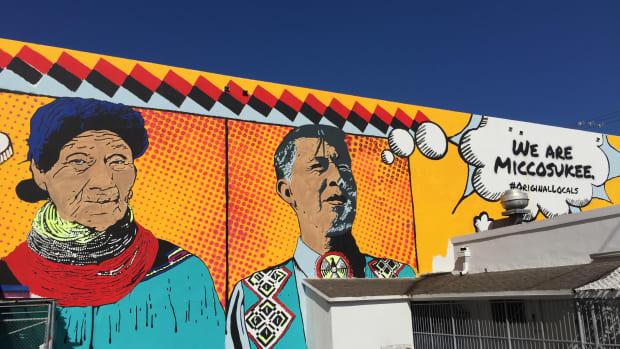 Miccosukee mural, photo by Sandra Hale Schulman