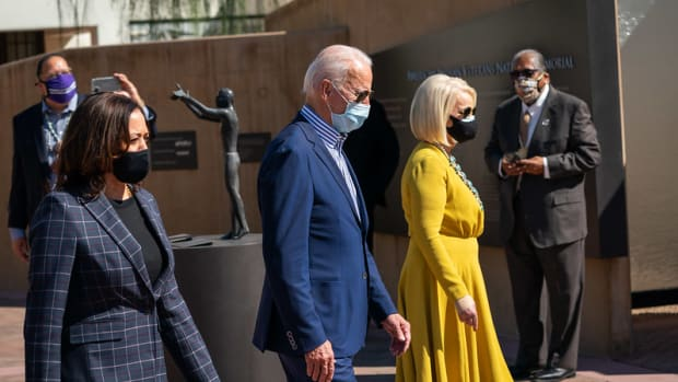 Joe Biden and Kamala Harris with Cindy McCain meeting with tribal leaders in Phoenix, AZ - October 8, 2020 (Photo: Flickr Adam Schultz / Biden for President)
