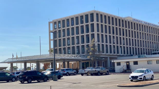Phoenix Indian Medical Center, Oct. 22, 2020. (Photo by Dalton Walker, Indian Country Today)