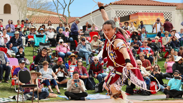 Eddie Swimmer, 30th annual Heard Museum World Championship Hoop Dance Contest, Phoenix, Feb. 8-9