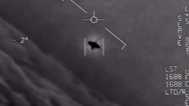 UFO image declassified video recorded by Naval Aviators