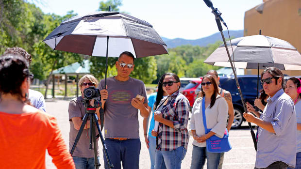 _02_Bird Runningwater and Fellows at 2015 NativeFilmmakersLab__working on the project I Am Thy Weapon, photo credit Babak Dowlatshahi