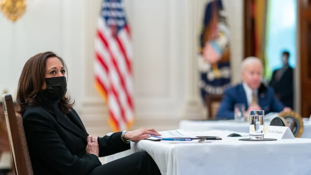 President Joe Biden and Vice President Kamala Harris receive a briefing on the economy Friday, Jan. 22, 2021, in the State Dining Room of the White House. (Official White House Photo by Adam Schultz)