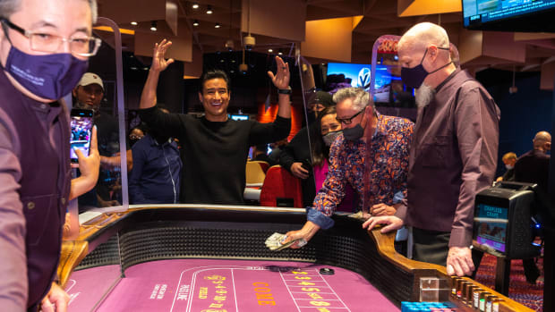Actor and TV host Mario Lopez plays table games at the opening of the Mohegan Sun Casino Las Vegas on March 25, 2021. (Photo courtesy of the Mohegan Sun Casino Las Vegas)