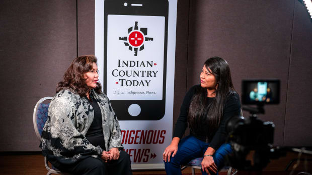 Cherokee Nation Congressional Delegate Kim Teehee talks with Jourdan Bennett-Begaye in Albuquerque, New Mexico, in October 2019. (Photo by Tomas Karmelo Amaya, ICT)
