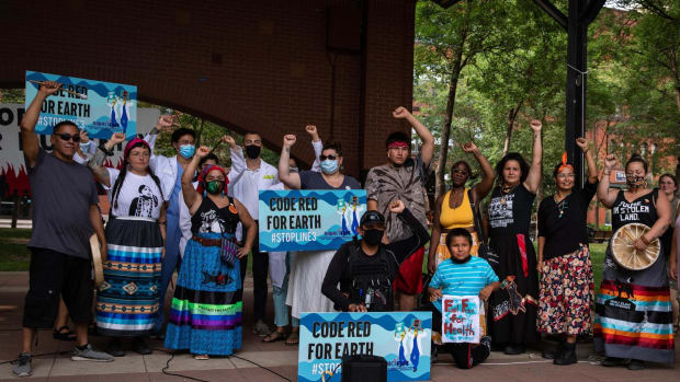 Indigenous water protectors and health professionals gather at Mears Park in St. Paul, Minnesota on Aug. 17, 2021, calling for end of Enbridge Line 3 construction. (Photo courtesy Chris Trinh / Indigenous Environmental Network)