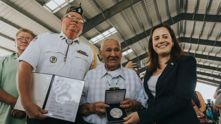 Last living Mohawk code talker for WWII, Louis Levi Oakes, dies at age 94