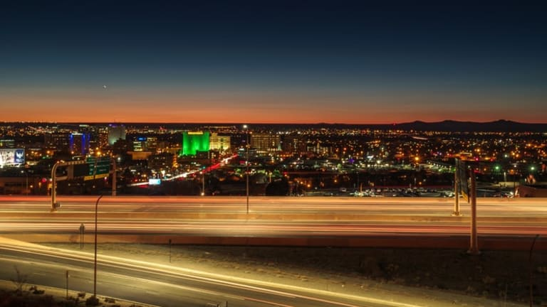 Mayor Keller puts Albuquerque on the path to become a top 10 U.S. city powered by renewable energy